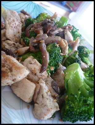 brocolissautesaupouletetpleurottescrea2 Brocolis sautés au poulet et pleurottes