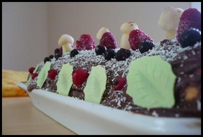 buchechocofruitsrougescrea Bûche au chocolat et fruits rouges
