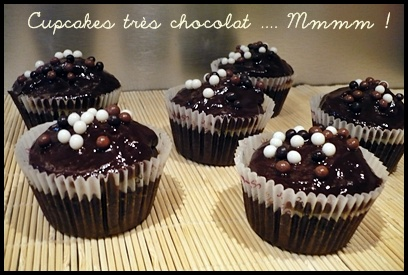 cupcakestreschocolatcrea1 Cupcakes très chocolat