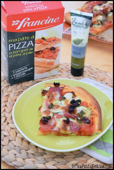 pizza courgette 3C Pizza à la courgette, jambon cru, mozzarella et basilic