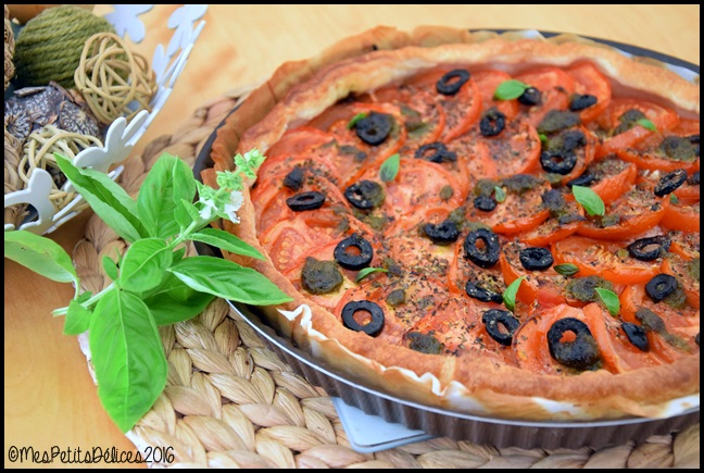 tarte tomate olives noires basilic 5C Tarte à la tomate, aux olives noires et au basilic