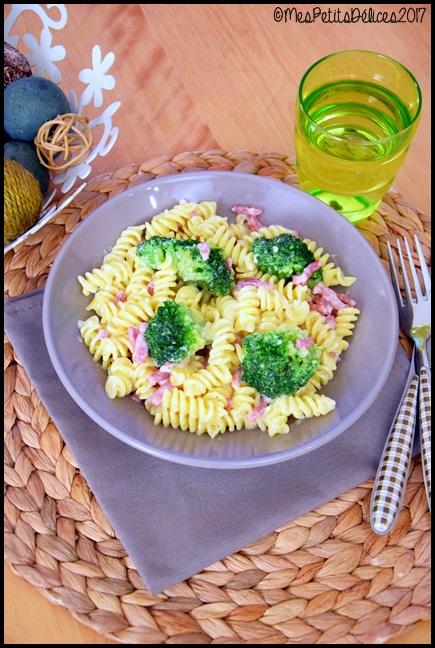 pâtes brocolis lardons 3C Fusillis au brocolis et lardons