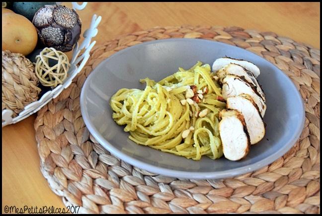 linguines au pesto dasperges et poulet grillé aux épices douces 2C Linguines au pesto dasperges et poulet grillé aux épices douces