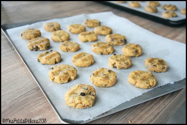 cookies noisette chocolat 2C Cookies à la noisette et aux pépites de chocolat
