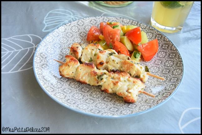 brochettes poulet mariné citron vert coriandre gingembre 1C Brochettes de poulet mariné au citron vert, gingembre et coriandre