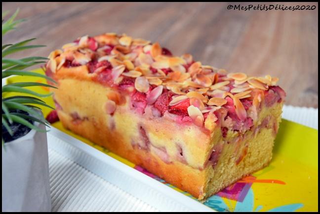 cake fondant fraises amandes 1C Cake aux fraises & aux amandes