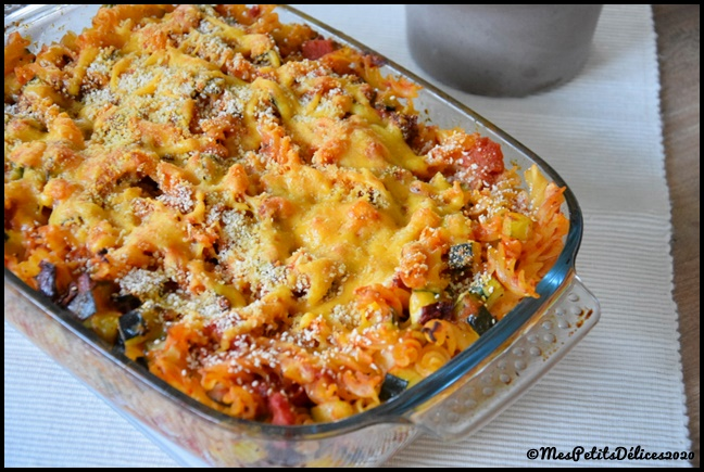 gratin pâtes courgettes tomates cheddar 1C Gratin de pâtes aux courgettes, tomates séchées et cheddar