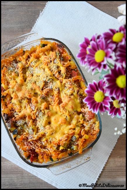 gratin pâtes courgettes tomates cheddar 2C Gratin de pâtes aux courgettes, tomates séchées et cheddar