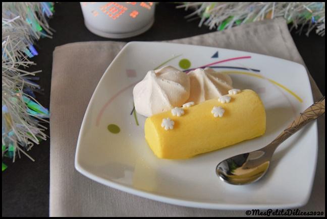 Bûchettes glacées à la mangue et éclats de meringue 1C Bûchettes glacées à la mangue et éclats de meringue