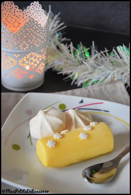 Bûchettes glacées à la mangue et éclats de meringue 2C Bûchettes glacées à la mangue et éclats de meringue